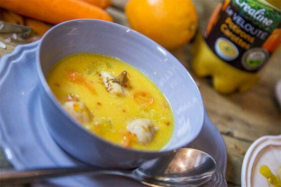 Une délicieuse recette de soupe par Créaline : velouté potirons carottes et ses Saint-Jacques poêlées