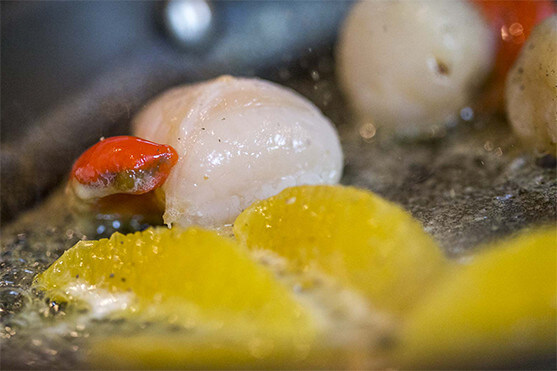 L'atelier des recettes Créaline : velouté potirons carottes, Saint Jacques pôélées