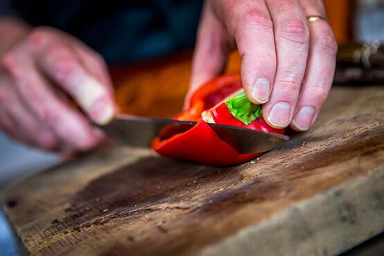 L'atelier des recettes Créaline : Velouté légumes verts, dos de cabillaud et lamelles de poivron rouge