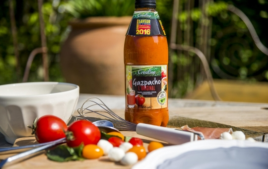 Créaline recette d'été : gelée de gaspacho tomates mozarella et jambon de pays