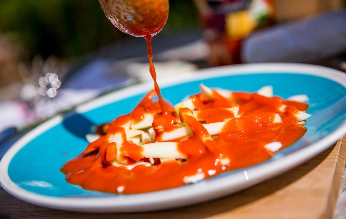 Créaline recette d'été gaspacho rubis au fromage de chèvre, fenouil et pomme croquante