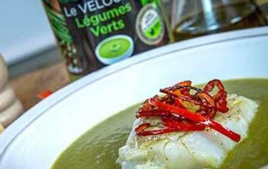 Recette rapide Créaline : Velouté légumes verts, dos de cabillaud et lamelles de poivron rouge